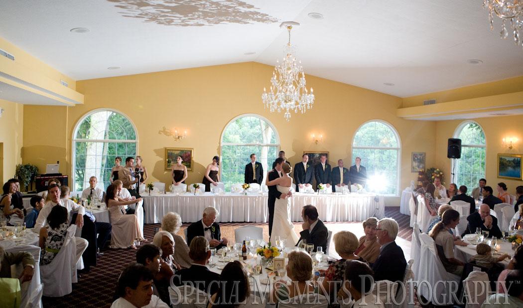 English Inn Eaton Rapid MI wedding photograph