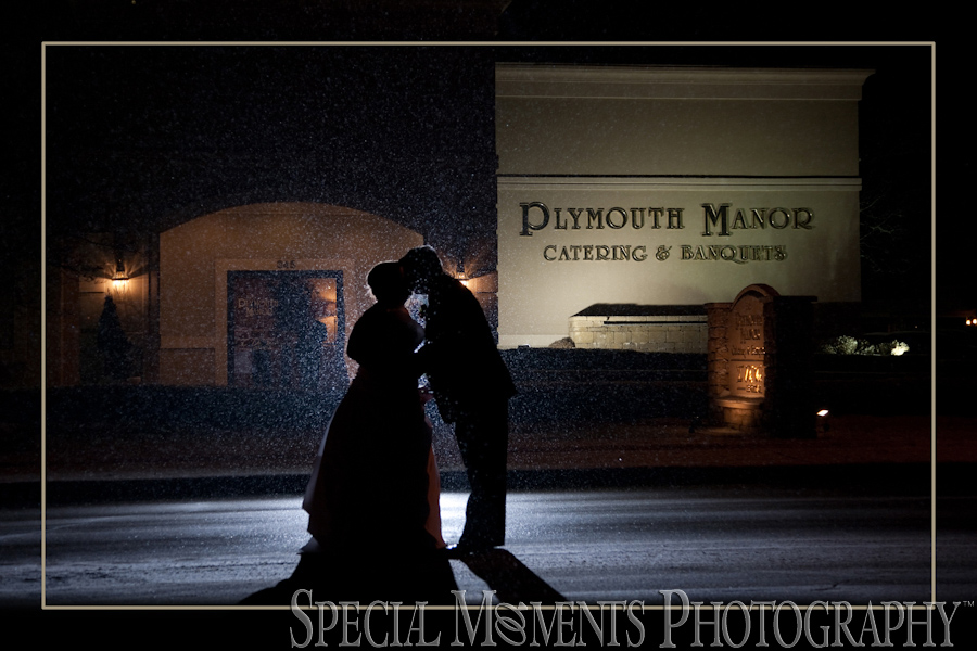 Plymouth Manor Banquet Hall Plymouth MI wedding photograph