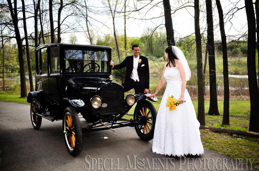 Calvary Baptist Church Ypsilanti wedding photographs