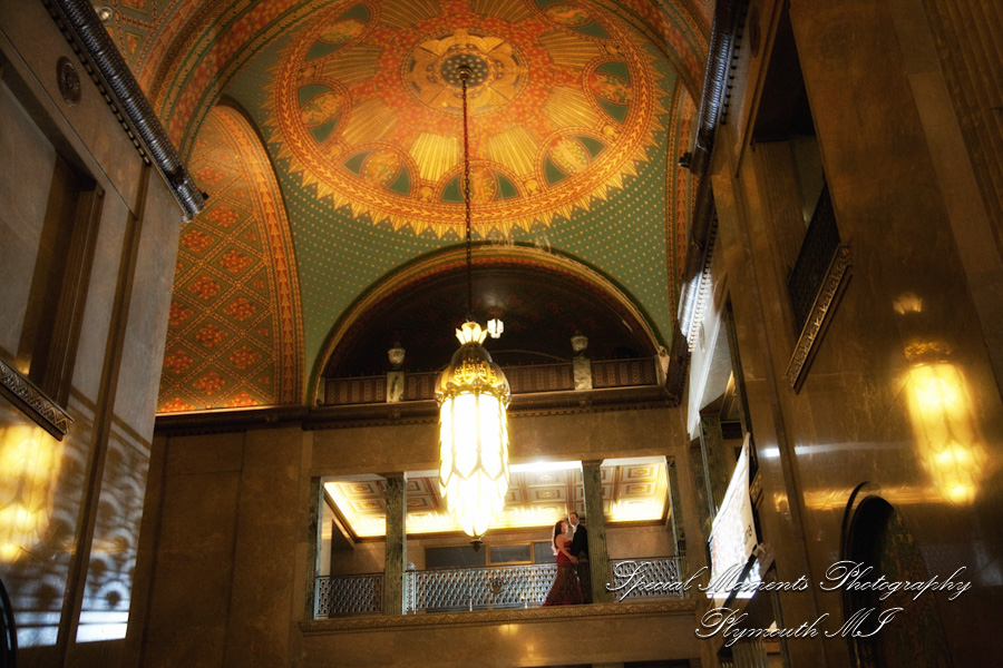 Fisher Theater Building Detroit MI wedding photograph
