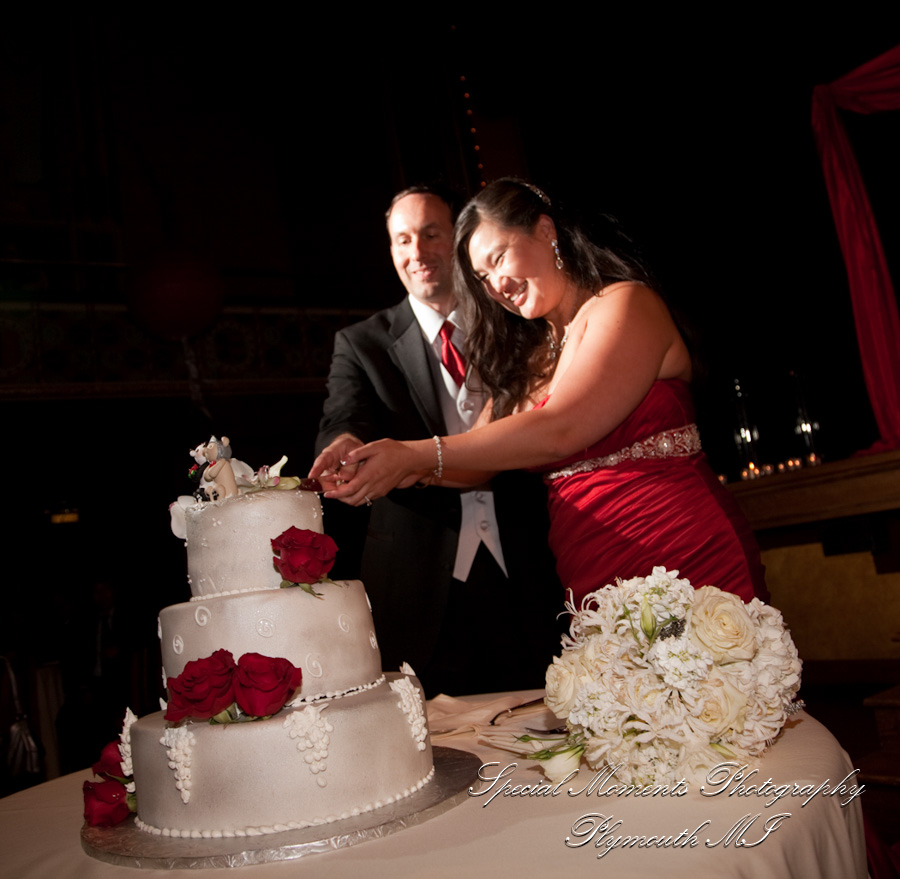 Gem Century Grill; Detroit MI wedding photograph