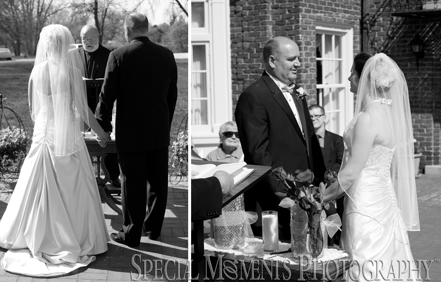 Montague Inn Saginaw MI outdoor wedding