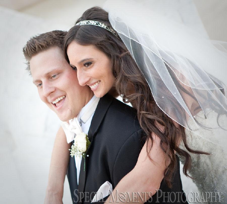Holy Redeemer Detroit MI wedding photograph