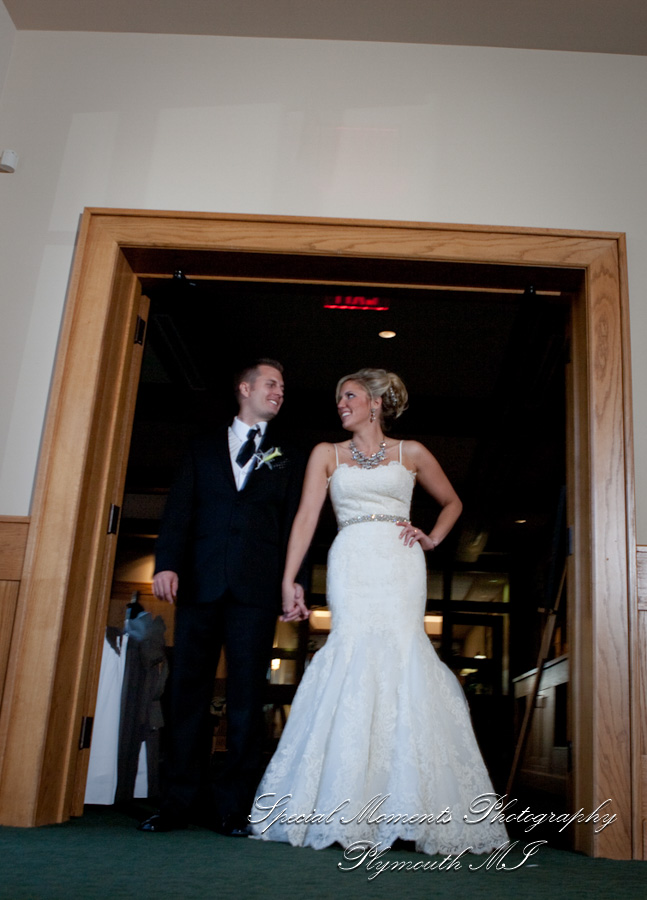 Lyon Oaks South Lyon MI wedding photograph