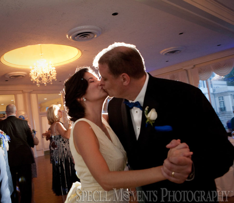 Grosse Pointe War Memorial Grosse Pointe Farms MI wedding photography