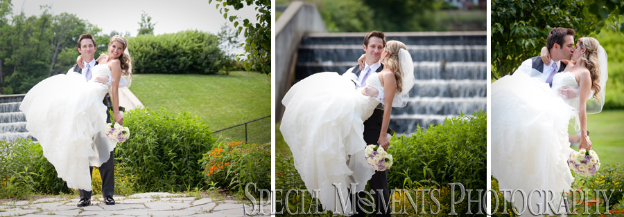 Shain Park Birmingham MI wedding photograph