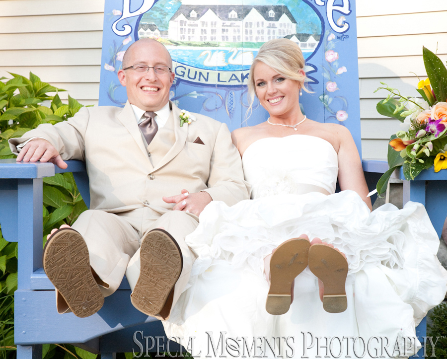 Bay Pointe Inn Lake Pavilion Shelbyville MI wedding photograph