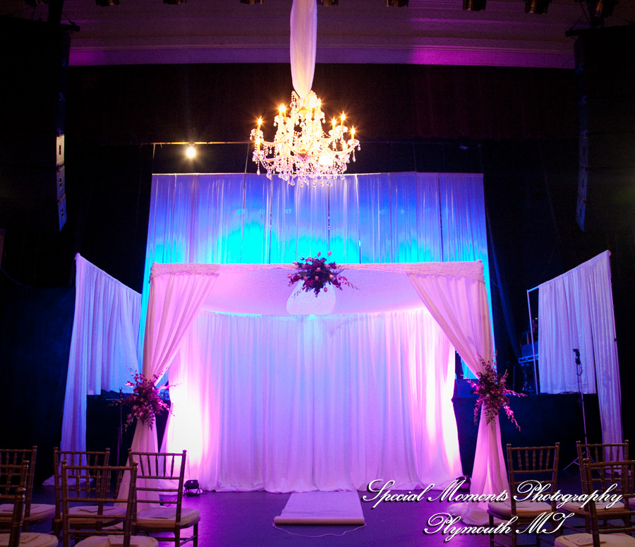 Majestic Theater Detroit MI wedding photograph