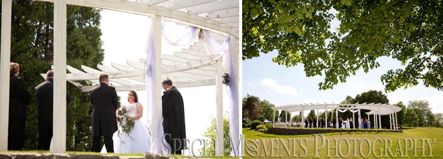 Frankenmuth Rose Garden Frankenmuth MI wedding photograph