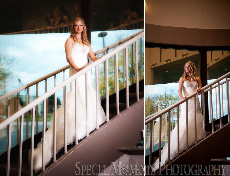 Laurel Manor Livonia MI wedding photograph