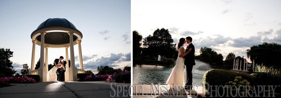 Blossom Heath Inn St. Clair Shores MI wedding photograph