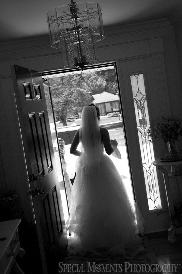 Home Getting Rready Clinton Twp. MI wedding photograph