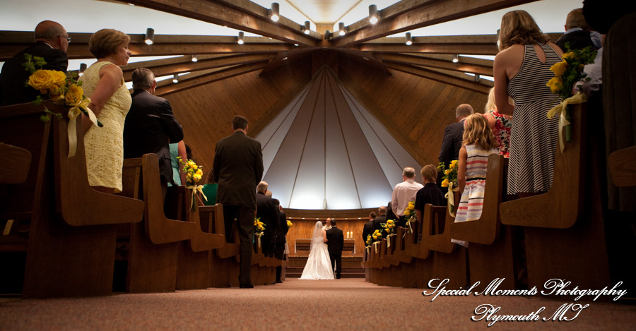 St. Mary Our Lady of the Snows Milford MI wedding photograph