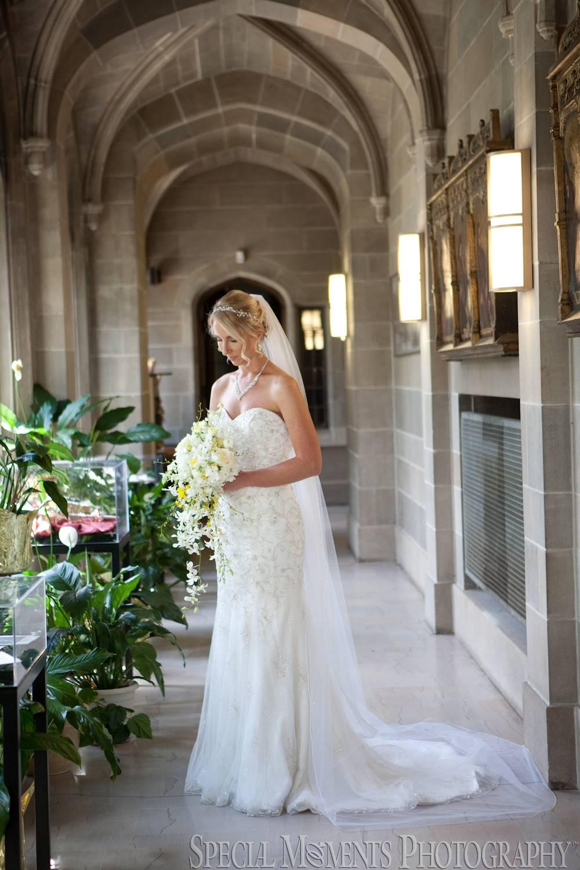 Blessed Sacrament Cathedral Detroit MI wedding photograph