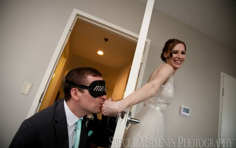 Double Tree Hotel Fort Shelby Detroit MI wedding photograph