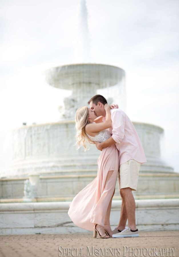 Belle Isle Detroit MI engagement photograph