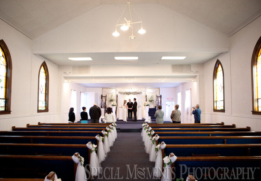 Wyandotte Wedding Chapel Wyandotte MI wedding photograph