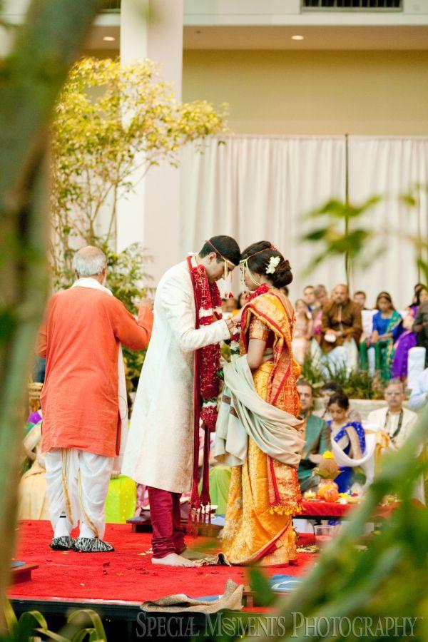 Westin Atrium Southfield MI wedding photograph