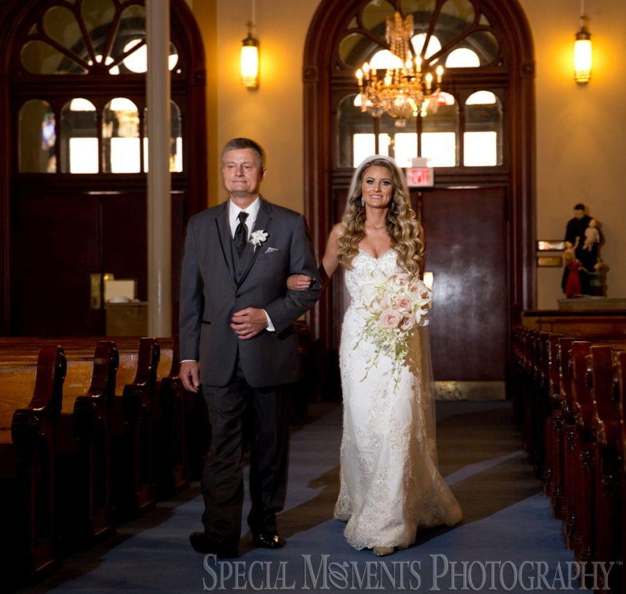 Old St. Mary's Detroit MI wedding photograph