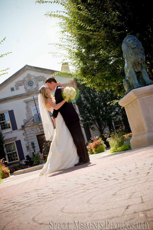 Grosse Pointe War Memorial Grosse Pointe Farms MI wedding photograph