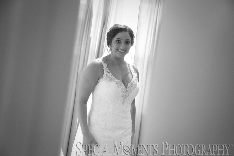 Home Getting Ready Shelby Twp. MI wedding photograph