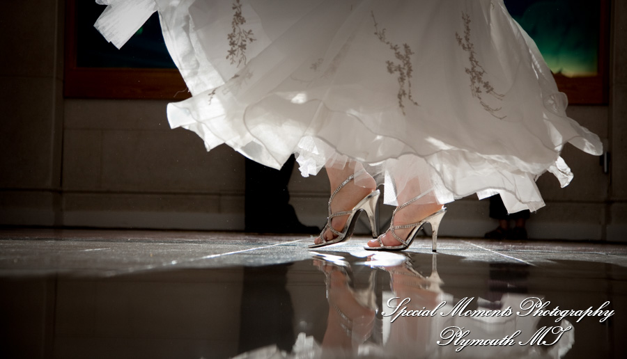 Arnaldo's Riverview MI wedding photograph