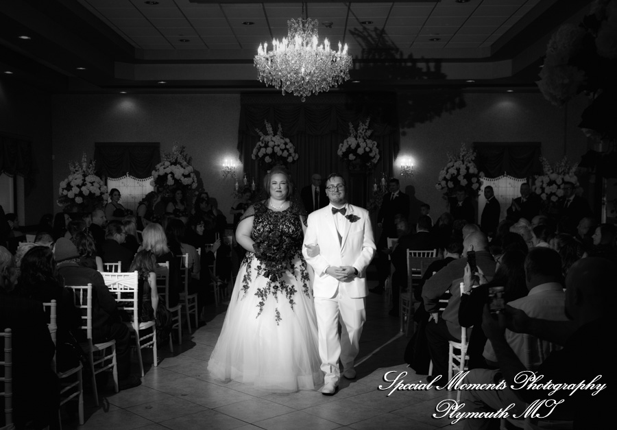 Crystal Gardens Southgate MI wedding photograph