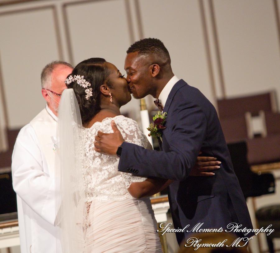 First United Methodist Plymouth MI wedding photograph