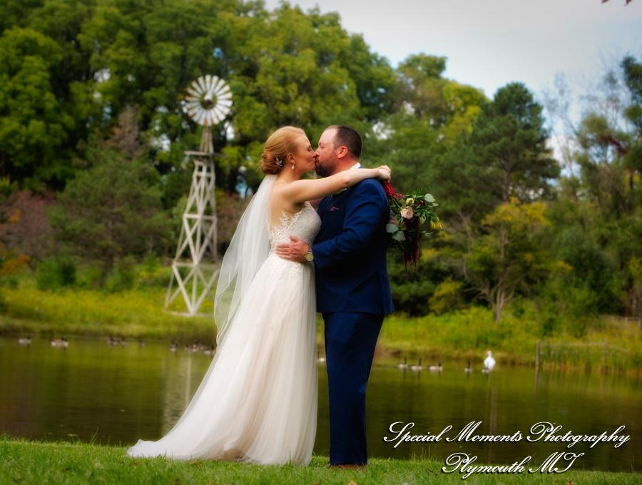 Heritage Park Farmington Hills MI wedding photograph