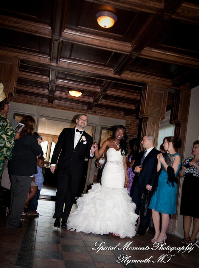 Pine Knob Mansion Clarkston MI wedding photograph