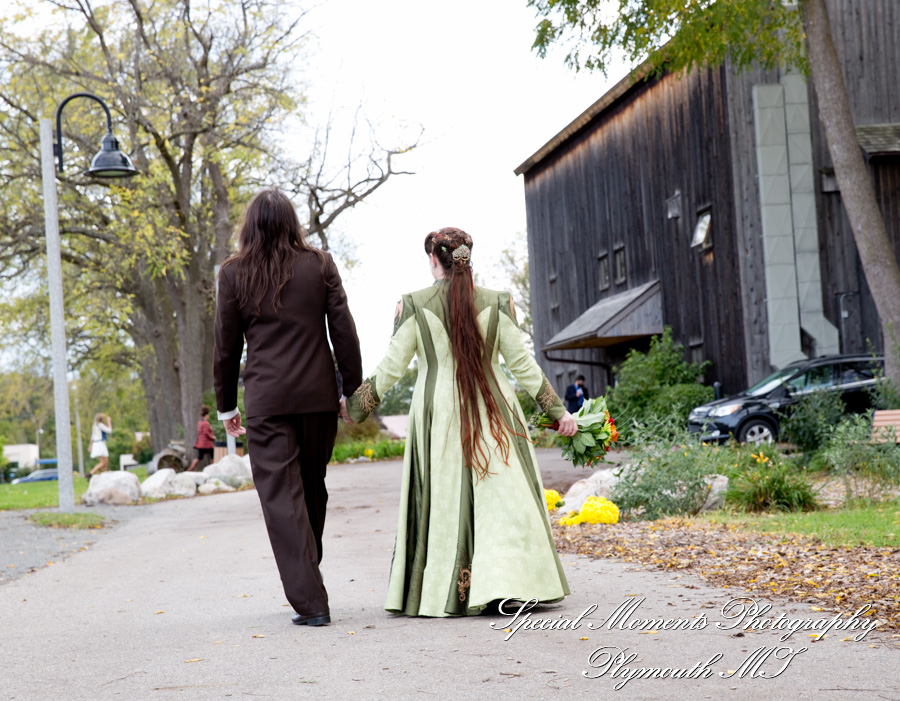Cobblestone Farm Ann Arbor MI wedding photograph