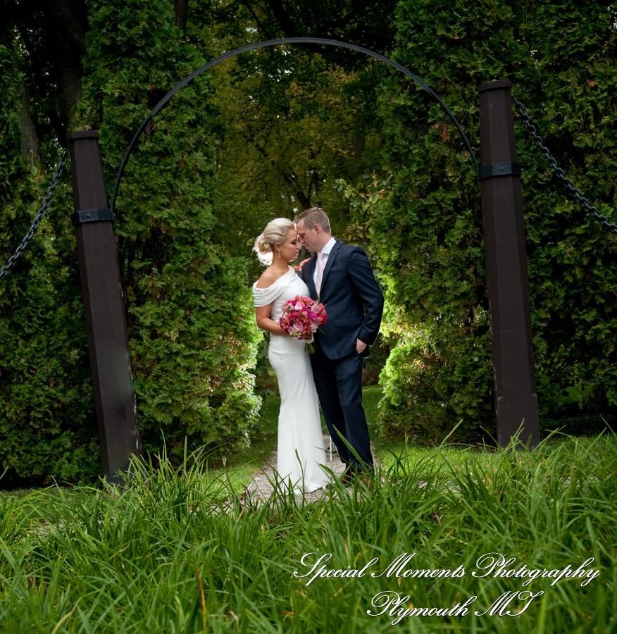 Edsel & Eleanor Ford Gate House Grosse Pointe Shores MI wedding photograph