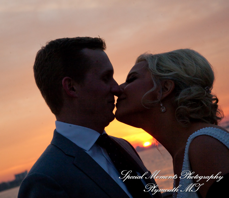 Oak Arbor Church Rochester Mi: Amanda & Greg 707 East Banquet Center Wedding