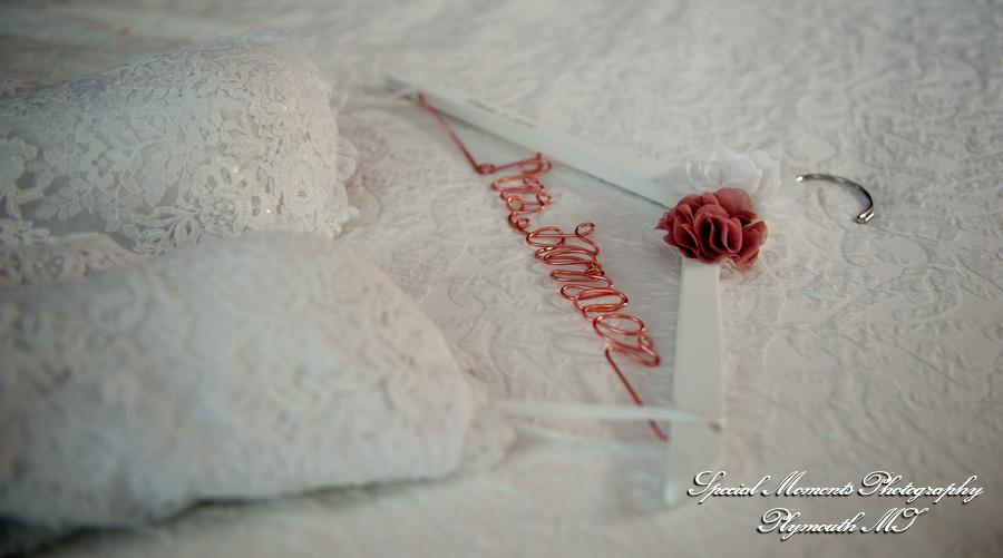 Hampton Inn Southgate MI wedding photograph