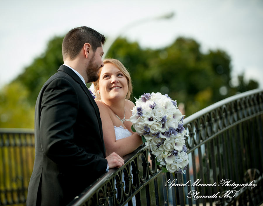 Elizabeth Park Trenton MI wedding photograph