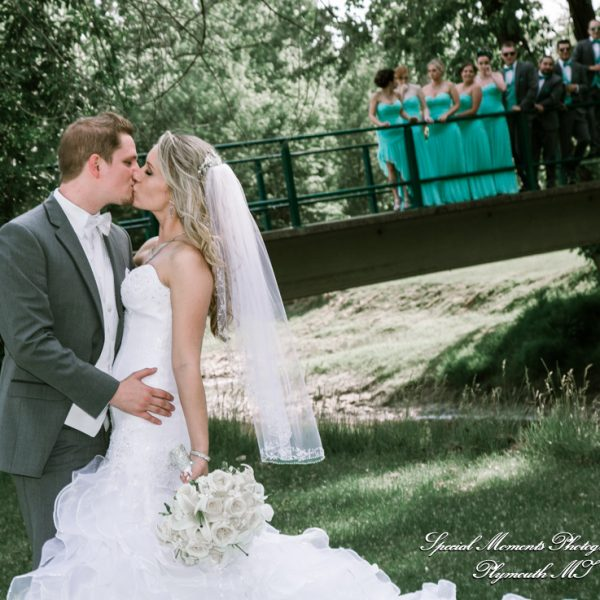 Kristi & Joshua: Sycamore Hills Golf Club Wedding in Macomb MI