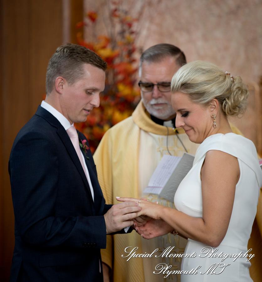 Bon Secours Chapel Grosse Pointe MI wedding photograph