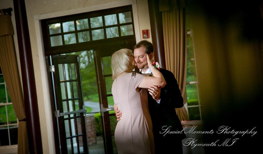 Northville Hills Golf Club Northville MI wedding photograph