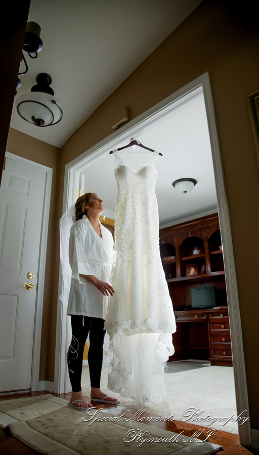 Home getting ready wedding photograph