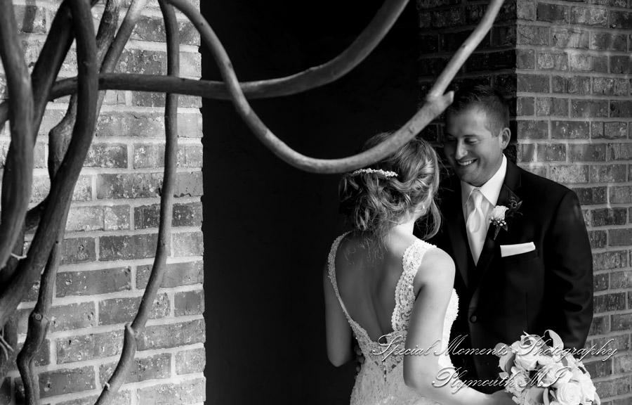 Indianwood Golf Country Club Lake Orion MI wedding photograph
