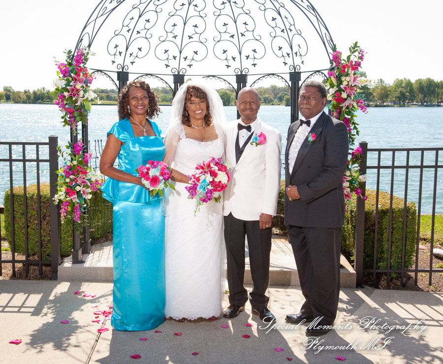 The Patio Roostertail Detroit MI wedding photograph