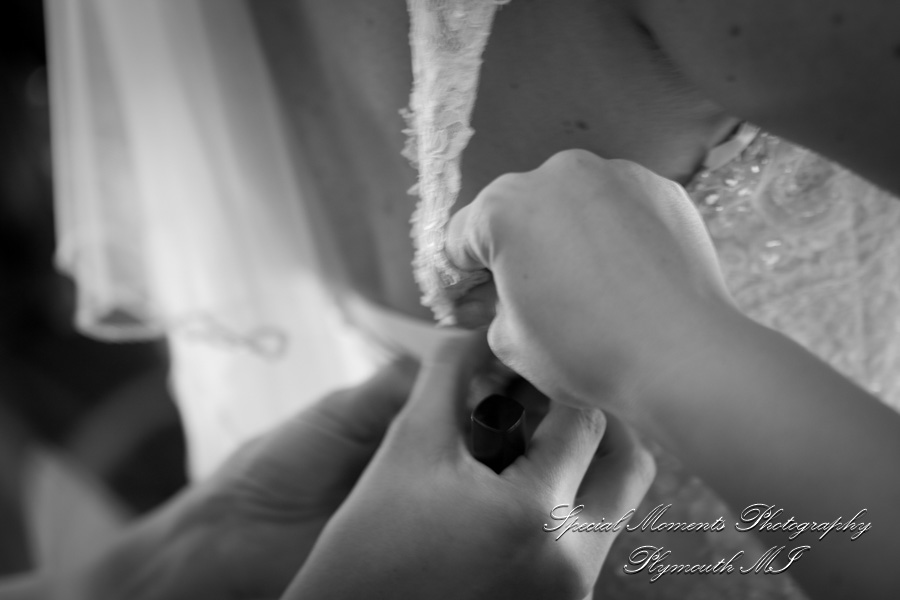 DoubleTree Suites by Hilton Hotel Detroit MI Wedding photograph