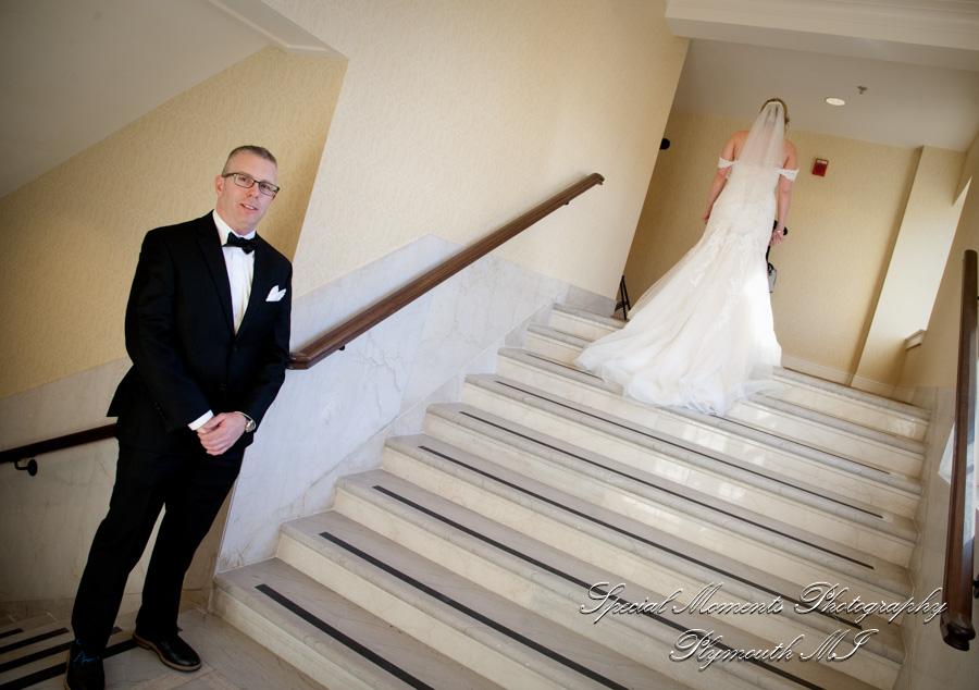 DoubleTree Suites by Hilton Hotel Detroit MI Wedding photograph
