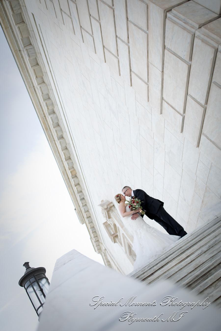 Detroit Institute of Arts MI wedding photograph