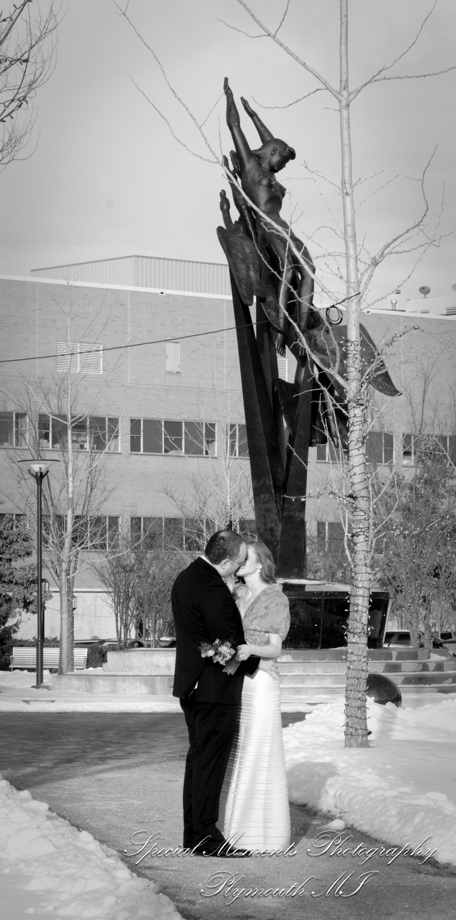 Our Lady Queen of Martyrs Beverly Hills MI wedding photography