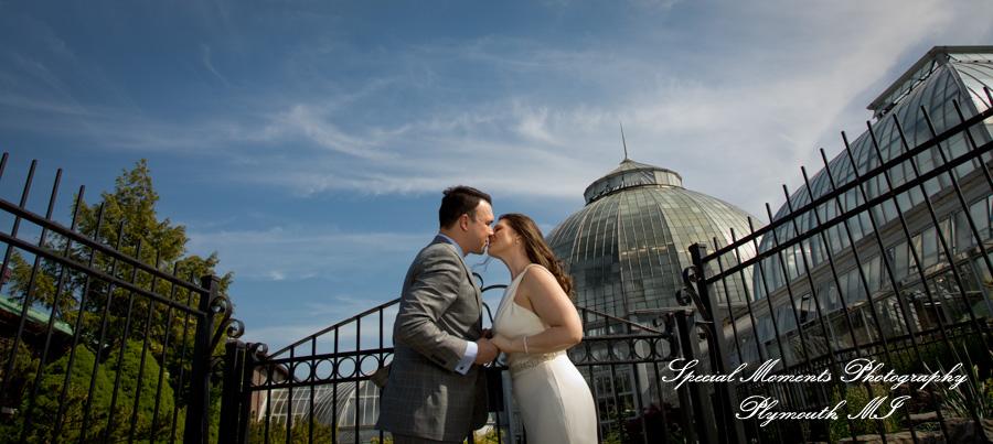 Belle Isle Conservatory Detroit MI wedding photograph