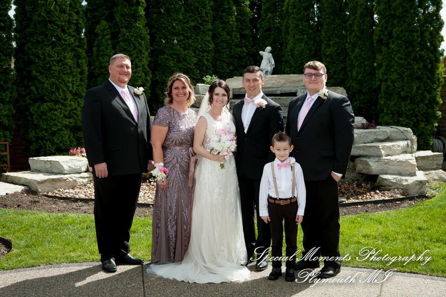 9414 The Bentley Banquet Center Wyandotte MI wedding photograph