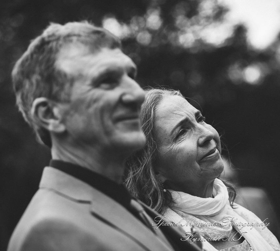 Wellers West Garden Saline MI wedding photograph