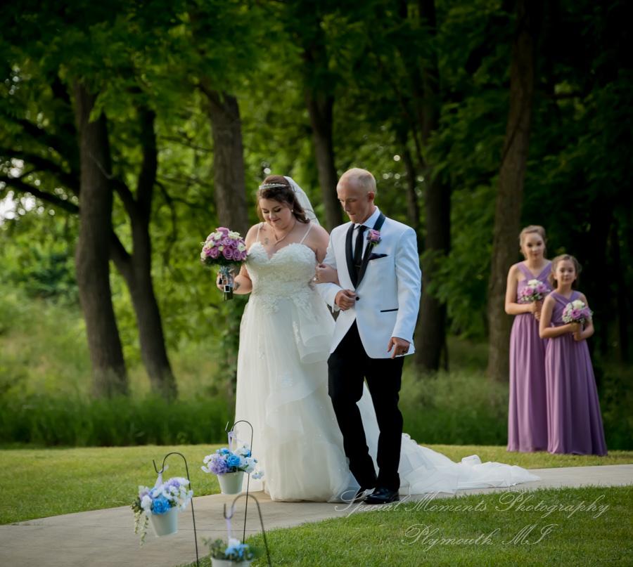 Moose Ridge Golf Course South Lyon MI wedding photograph